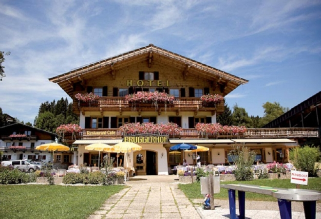 Hotel Bruggerhof Montagna Austria Estate