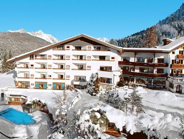 Hotel Bergresort Montagna Austria Estate