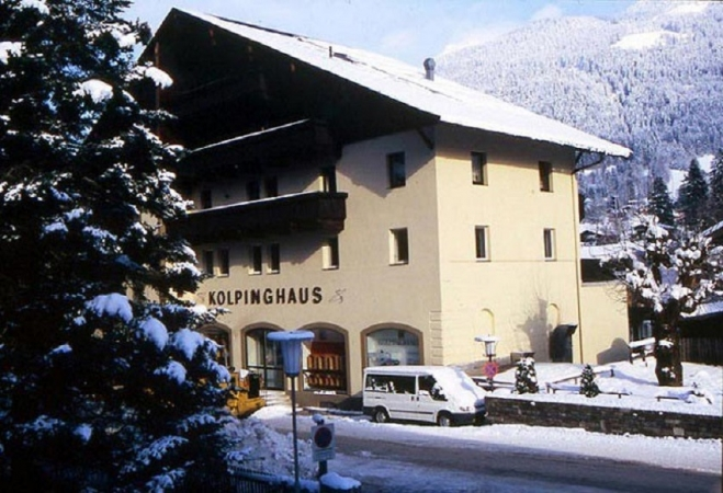 Appartment Kolpinghaus Montagna Austria