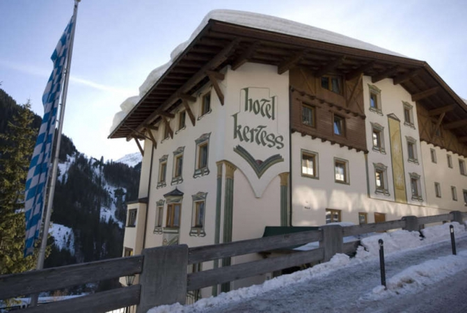 Hotel Kertess Montagna Austria