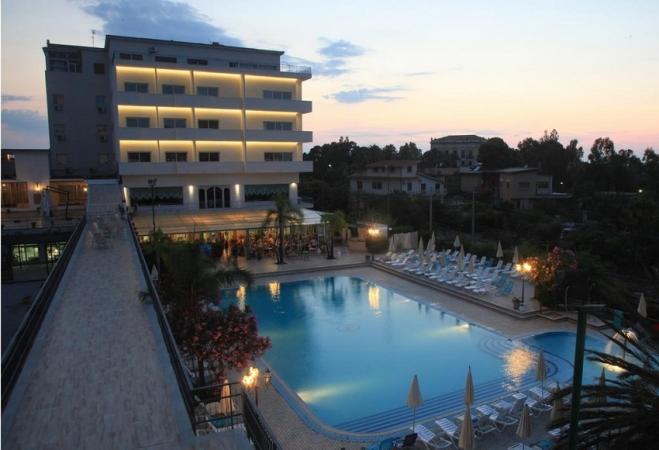 Hotel Santalucia Sabbie D' Oro Mare Italia