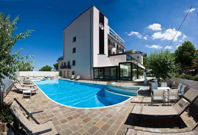 Hotel Ferretti Beach Mare Italia