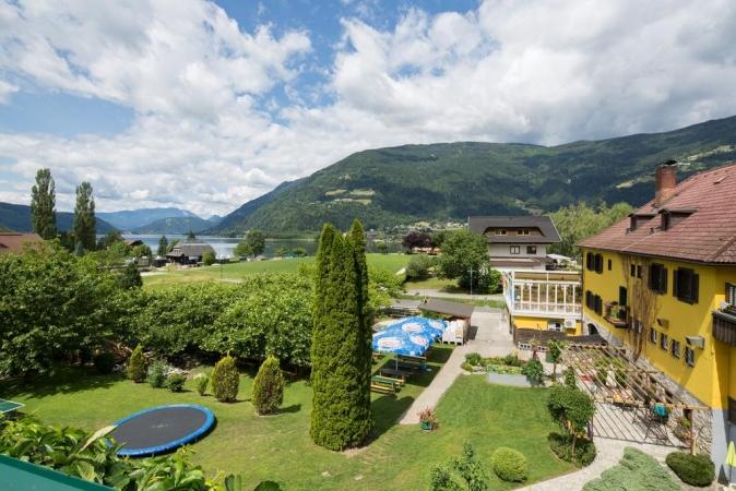 Gästehaus Krappinger Montagna Austria Estate