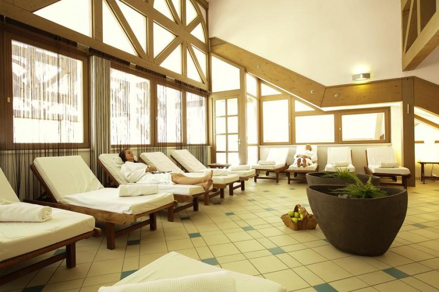 Hotel montagna austria great villaggio di ghiaccio igloo - Hotel montagna con piscina esterna riscaldata ...