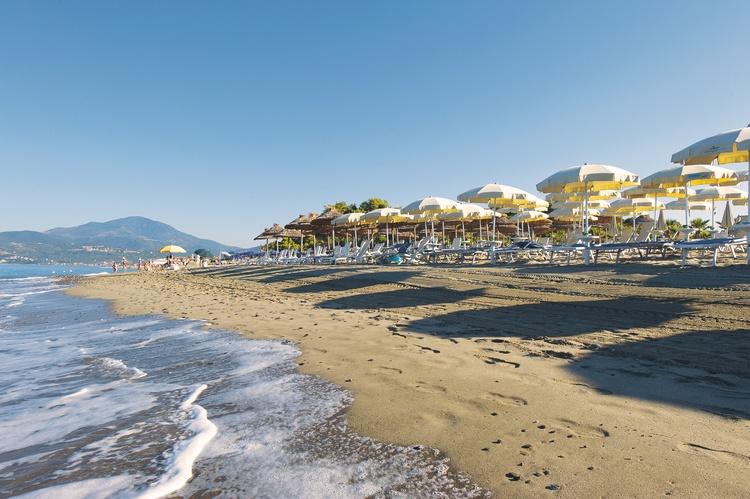 Villaggio olimpia cilento resort ascea marina offerte - Villaggi in montagna con piscina ...